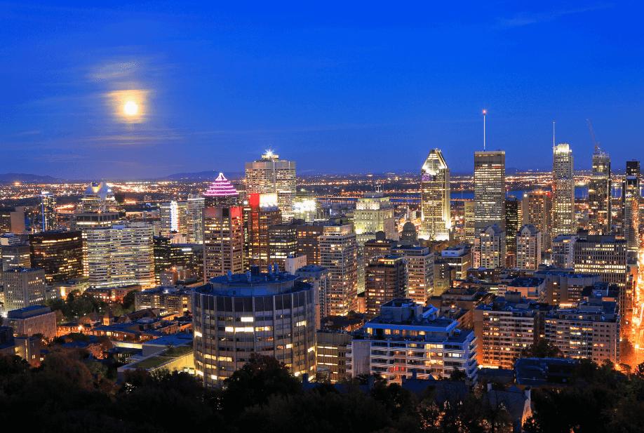 Quebec at night